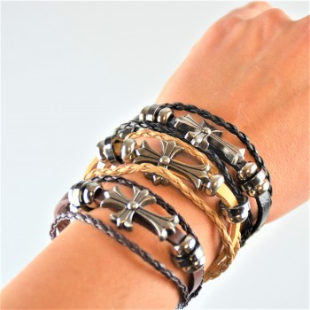 Bracelet en cuir avec croix